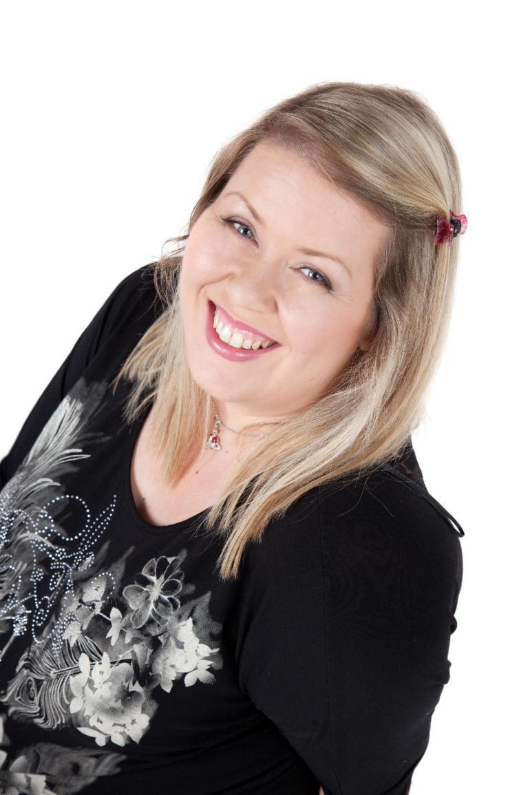 Leesa Harker profile pic